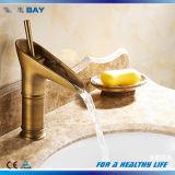 En laiton solides montés par paquet choisissent le taraud de mélangeur de bassin de récipient de traitement