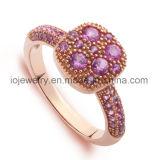 De Juwelen van het Staal van de nieuwe Technologie met de Vastgestelde Stenen van de Hand