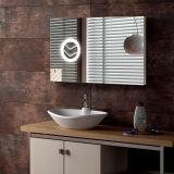 Miroir de salle de bains allumé par regain fixé au mur neuf de Frameless de modèle anti