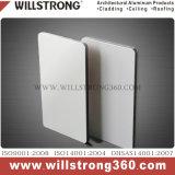 panneau composé en aluminium ignifuge enduit de 4mm PVDF avec la couleur métallique argentée