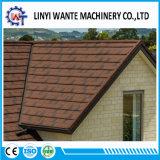 Buidlingの中国の物質的な石の上塗を施してある金属の鉄片屋根瓦