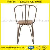 Klassischer Entwurfs-Eisen-Bistro-Stuhl