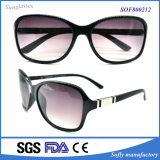 Sale caliente Fancy Party Sunglass Plastic Polarized Sunglasses para Women