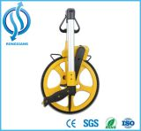 Гуляя измерение расстояния длины колеса цифрового метра измеряя