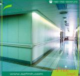 病院の屋内クリーンルームの白いコンパクトの積層物の壁のクラッディング