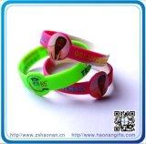Kundenspezifische Gummiarmbänder, die Dekoration Silcone Armbänder Wedding sind