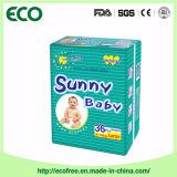 Asoleado pañal disponible del bebé del OEM del grado un buen con la alta absorción