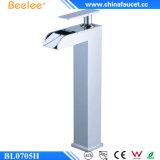 Torneira de misturador de bronze contemporânea do banheiro da cachoeira de Beelee Bl0705h