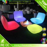 플라스틱으로 만드는 RGB Fashionalbe 디자인 LED 비치용 의자 세트