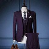 結婚式のためのスーツ3部分の人のかビジネスまたは夕方または教会または余暇