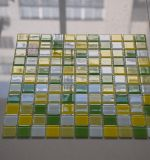 녹색과 노란 혼합 부엌 모자이크 타일을%s 유리제 모자이크 타일