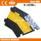 2 채널 노란색 재킷 교통 고무 케이블 보호자