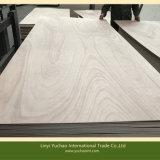 madera contrachapada de Okoume del gradiente de 4.0m m BB/CC para el mercado suramericano
