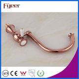 Grifo de la cocina del eslabón giratorio del oro 360 de Fyeer Rose para el fregadero doble