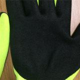 Couper 5 gants dans 2 couches avec l'enduit de nitriles de Sandy