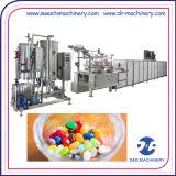 Linha de depósito doces da produção da geléia que fazem a maquinaria para doces enchidos