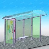 Ripari di alluminio della fermata dell'autobus con la pubblicità della casella chiara parteggiata doppia