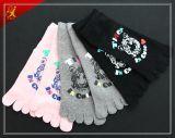Populäre schöne Zoll-sehr preiswerte Zehe-Socken