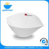 De aangepaste Kom van de Soep van het Porselein van het Embleem Witte Draagbare