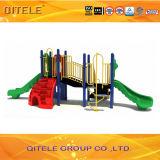小さい子供のスライドの運動場装置