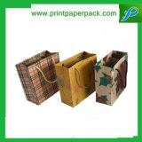 Saco personalizado delicado do papel de embalagem do vestuário da cor cheia
