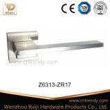 Ligne droite traitement de levier en alliage de zinc de porte de couleur de chrome de nickel (Z6313-ZR17)
