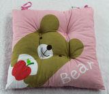 O urso imprimiu o coxim de assento de enchimento do poliéster ao ar livre da tampa do algodão