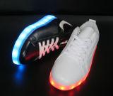 Chaussures de la DEL des hommes et des femmes de mode de vente en gros d'usine de chaussures de Jinjiang DEL, chaussures lumineuses