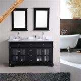 黒いマットの仕上げの浴室の虚栄心