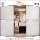 N & l шкаф мебели спальни с стеклянным зерном раздвижной двери и древесины