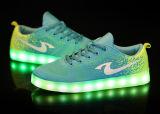 Desijn le plus neuf 12 chaussures d'éclairage LED de couleurs, chaussures occasionnelles de femmes, chaussures lumineuses de DEL