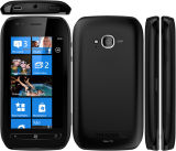ロック解除されたNakia Lumia 710の携帯電話