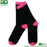 Heißer Verkaufs-Großverkauf gestrickte Frauen-Socken