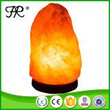 Lumière normale de l'Himalaya de nuit de lampe de sel avec la base en bois