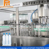 Água da bebida do frasco que reenche a máquina do equipamento