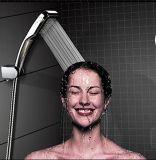Het Hoofd van de douche voor het Droge Water die van de Hoge druk van de Huid & van het Haar Ionische Handbediende Showerhead 300 Gaten bewaren