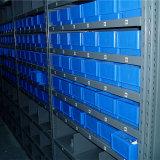 Полка пакгауза для хранения автозапчастей