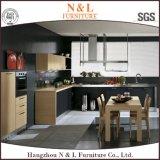 現代様式の木製の食器棚の木製のベニヤの台所高級家具