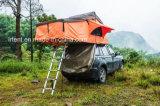 Overground 2017 sopra la tenda di campeggio di SUV