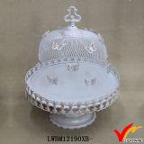 Белая стойка торта венчания металла крышки бабочки сетки