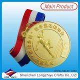 Medalhista de prata antigo dos esportes baratos com logotipo agradável da fita e do costume 3D