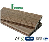 Plancher composé en plastique en bois bon marché imperméable à l'eau des prix WPC de coextrusion
