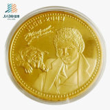 Le modèle libre a découpé la pièce de monnaie humaine d'enjeu en métal de logo de la coutume 3D d'émail d'or pour le cadeau de souvenir