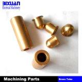 Подвергая механической обработке часть, CNC подвергая механической обработке, поворачивая часть