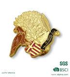 カスタムフクロウの形の金によってめっきされる記念品のバッジ