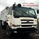 6X4 Left Hand Driving Nissan Dump Truck con Self-Dumper/Bucket