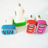 il mini richiamo doppio universale 5V dell'adattatore del caricatore dell'automobile del USB 3-Port 2.1A + 2.1A+1A con Ce RoHS ha approvato per Smartphone