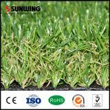 La hierba sintética Mejor premium verde de la naturaleza artificial con incombustible