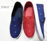 Schuh-Einspritzung-Segeltuch-Schuhe der Lateset Männer beiläufige Baumwoll(FF9317)