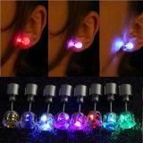 Ohrring der Edelstahl-Blinken-Bolzen-Ohr-Bolzen-Ringeshine-Form-Blinken-Art-LED